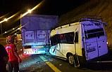 Şanlıurfa'da minibüs tıra çarptı: 1 ölü