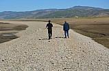 Barajın suyu çekilince eski demiryolu güzergahı ortaya çıktı