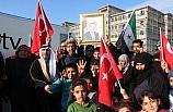 Suriyeliler Türkiye'ye destek için toplandı