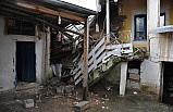 Adıyaman'da toprak evin damı çöktü