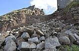 Şanlıurfa'da yağışlar tarihi kaleye zarar verdi