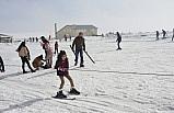 Yarıyıl tatilini kayak yaparak değerlendiriyorlar