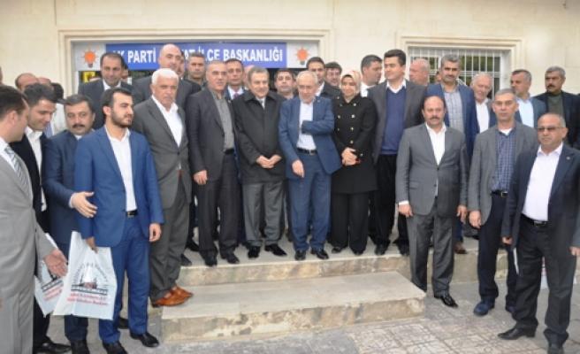 Ak Parti Ar-Ge Başkanı Ekrem Erdem Midyat'ta