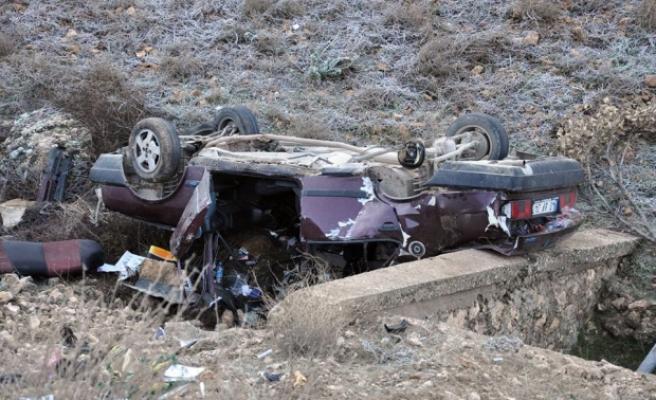 Midyat'ta Trafik Kazası : Araç Şarampole Yuvarlandı