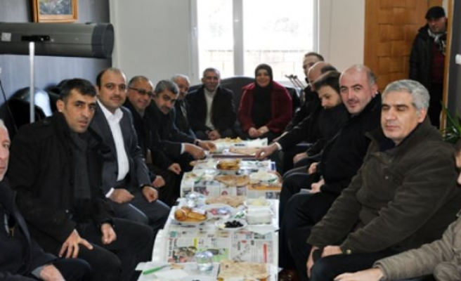 Ak Parti Midyat İlçe Başkanlığından Gazetecilere Kahvaltı