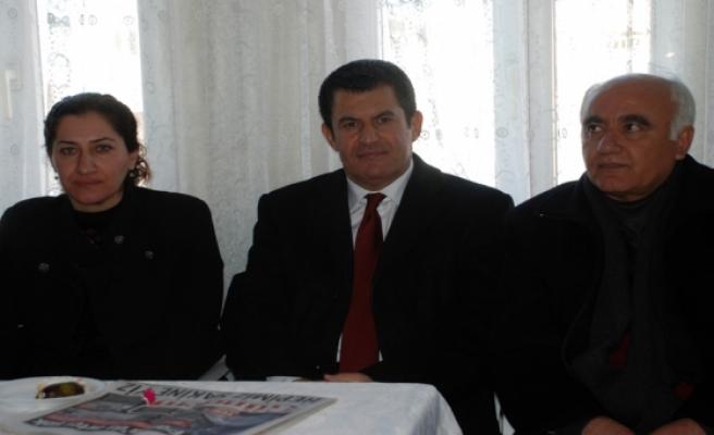 Midyat Halkların Demokratik Partisi (HDP) ilçe teşkilatının binası hizmete açıldı.