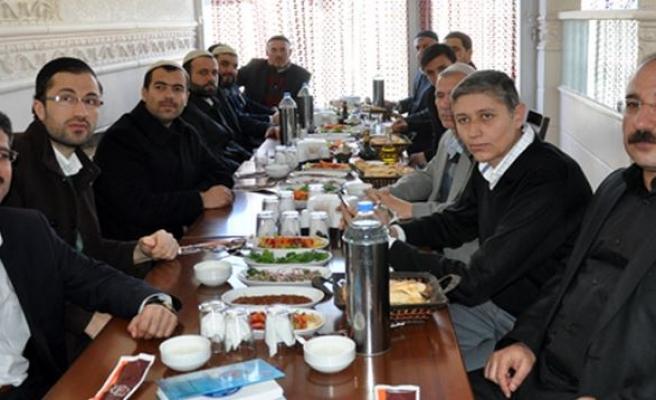 BASK Üyeleri Midyat'ta Kaynaşma Yemeğinde Bir Araya Geldi