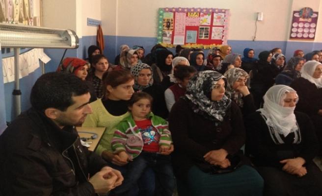 Midyat'ta, Ailenin Öğrenci Başarı Üzerindeki Etkisi Konulu Seminer Verildi