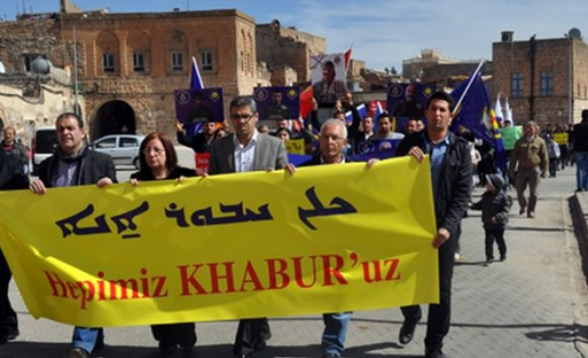 Midyat'taki Süryaniler İşid'i Protesto Etti