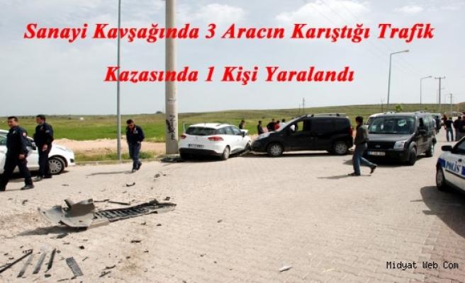 Midyat Sanayi Kavşağında Trafik Kazası