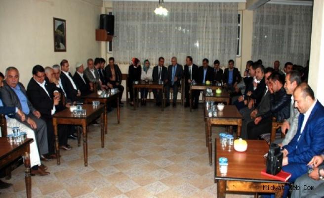 Mardin Ak Parti Milletvekilleri Adayları Nihat Eri'nin Taziyesine Katıldı
