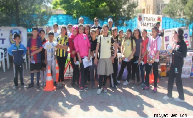 Midyatta Halka ve Öğrencilere Uygulamalı Trafik Eğitim