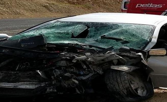Mardin'de Trafik Kazası: 2 Ölü 4 Yaralı