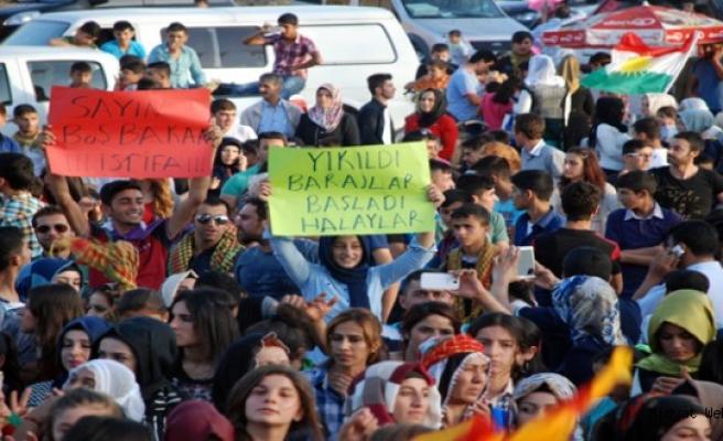 Midyat'ta HDP Baraj kutlamaları