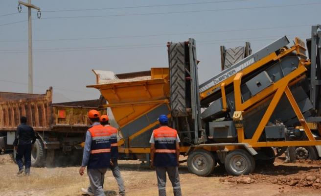 Mardin Büyükşehir yol yapım çalışmasına devam ediyor