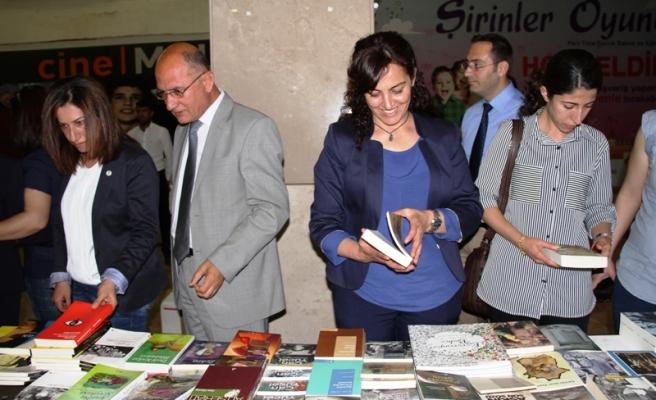 Mardinde Kitap Fuarı Açıldı