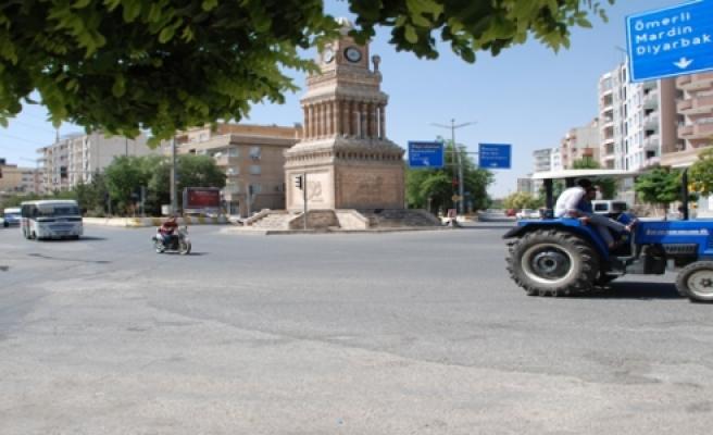 Midyat'ta motosiklet sürücüleri kazaya da davetiye çıkartıyor