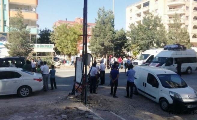Midyat'ta merkezde meydana gelen trafik kazasında 3 kişi yaralandı.