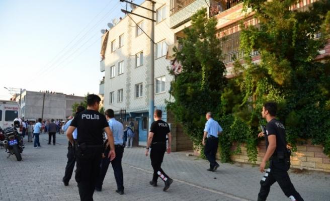Balkondaki silahlı kavgada sokaktaki 7 kişiyi yaraladı