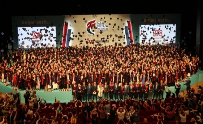 Fatih Sultan Mehmet Vakıf Üniversitesi mezunlarını uğurladı