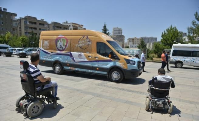 Mardin'de engellilere asansörlü araç tahsis edildi