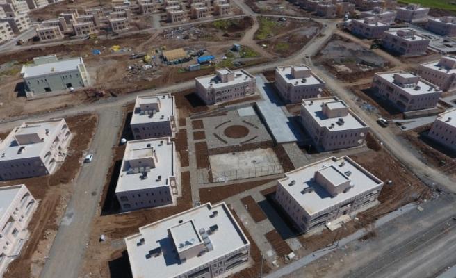 Silopi'de terör mağdurlarının konutları tamamlanma aşamasında
