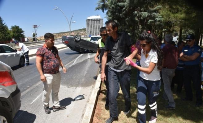 Gaziantep'te otomobil devrildi: 1 yaralı
