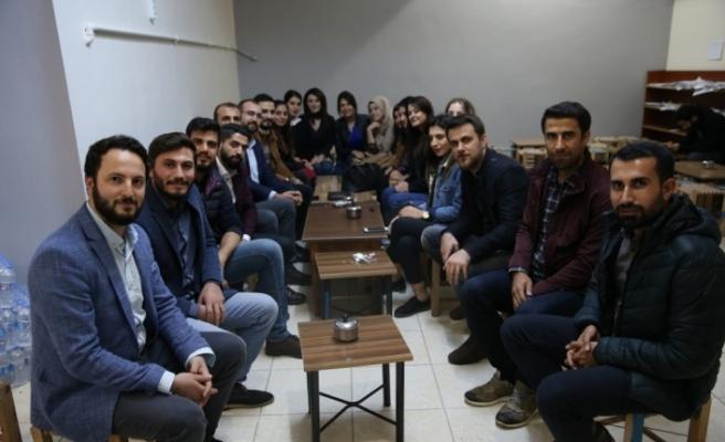 Dicle Üniversitesi eski mezunları Diyarbakır'da buluştu