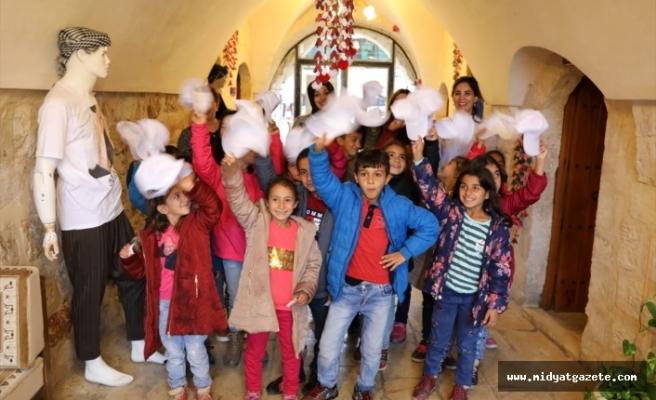 Mardin kırsalından gelen çocuklar kenti gezdi