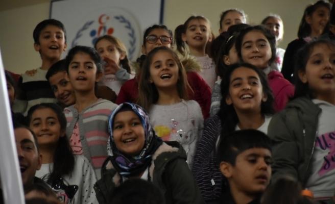 Diyarbakır'da dezavantajlı çocuklar sirkte