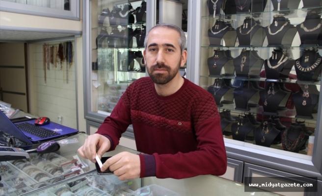 Midyat'ta Gümüşçüden Hırsızlık Anı Güvenlik Kamerasına Yansıdı