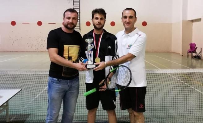 Tenis Turnuvasında Birincilik Midyat'ın