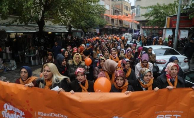 Kilis'te kadınlar şiddete karşı yürüdü