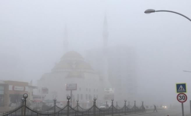 Malatya'da sis hava ulaşımını olumsuz etkiliyor