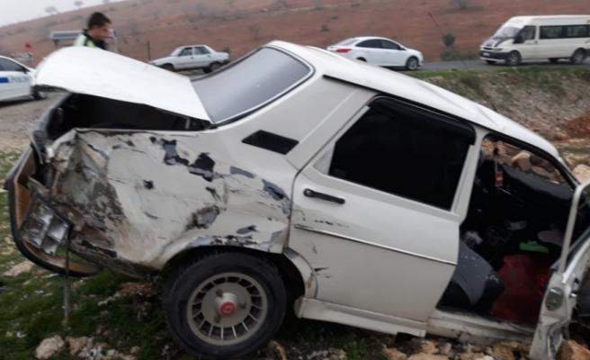 Şanlıurfa'da tır ile otomobil çarpıştı: 3 yaralı