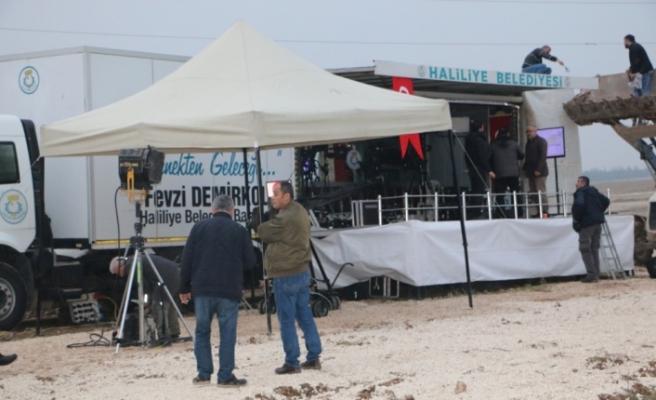 Vali Erin Suriye sınırındaki gazetecileri ziyaret etti