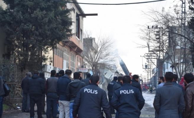 Gaziantep'te tutkal imalathanesinde yangın: 2'si ağır 5 yaralı
