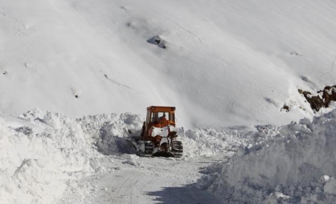 Hakkari-Şırnak kara yolu ulaşıma açıldı
