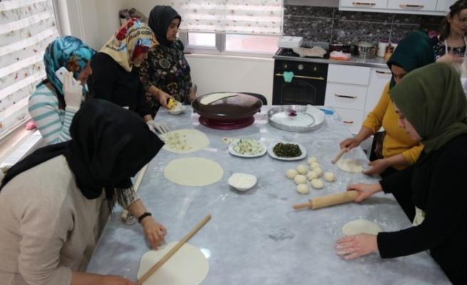 Diyarbakır'ın yöresel yemekleri kadınlara gelir oldu