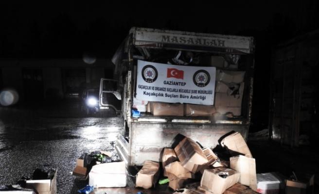 Gaziantep'te 7 ton 375 kilogram kaçak nargile tütünü ele geçirildi