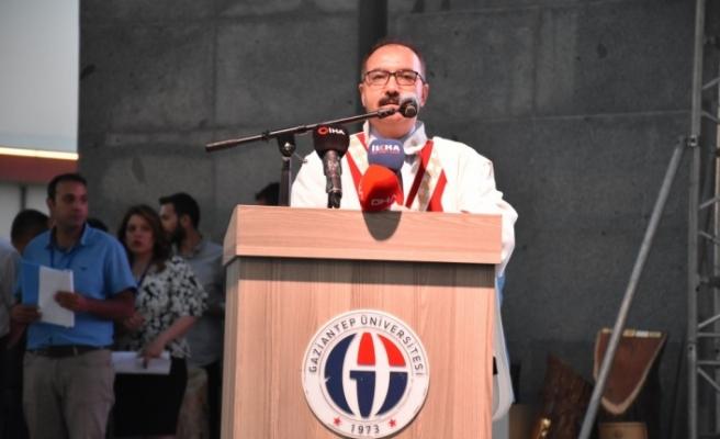 Gaziantep Üniversitesinde mezuniyet sevinci