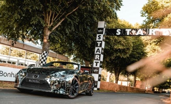 Lexus, LC'nin üstü açılan modelini üretme kararı aldı