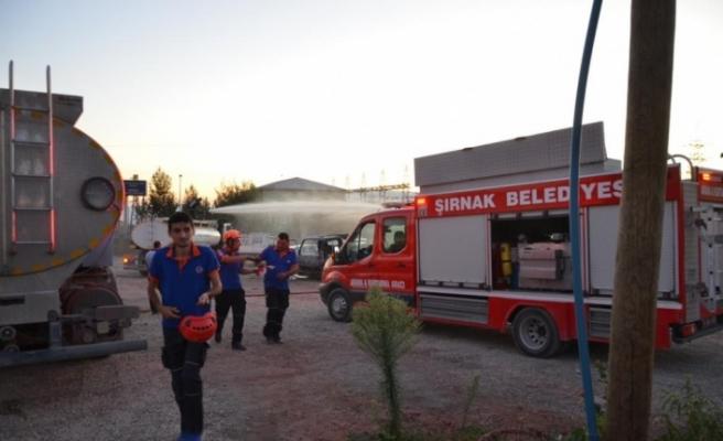 Şırnak Sanayi Sitesi'ndeki yediemin otoparkında bulunan yakıt tankerinde meydana gelen patlamada ilk belirlemelere göre 1 kişi öldü, 2 kişi yaralandı.