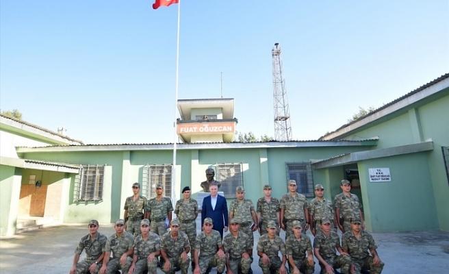 Vali Gül, sınır birliklerindeki Mehmetçikle bayramlaştı
