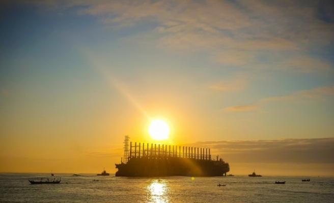 Türk gemisi Senegal'e ışık olacak