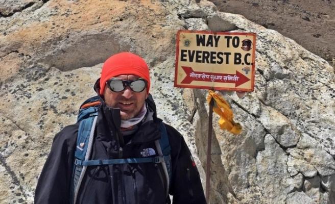 Yalçıntaş, Afrika'nın en yüksek dağı Kilimanjaro'ya tırmandı