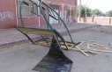 Siirt Belediyesince yapılan bank ve çardaklar tahrip...
