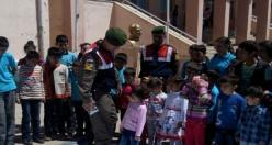 Midyat Jandarma Trafik Haftası Karanfil