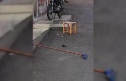 Seyir halindeki motosikletten el bombası düştü