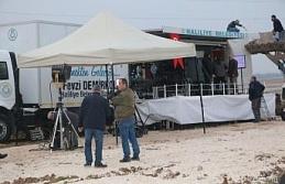 Vali Erin Suriye sınırındaki gazetecileri ziyaret...